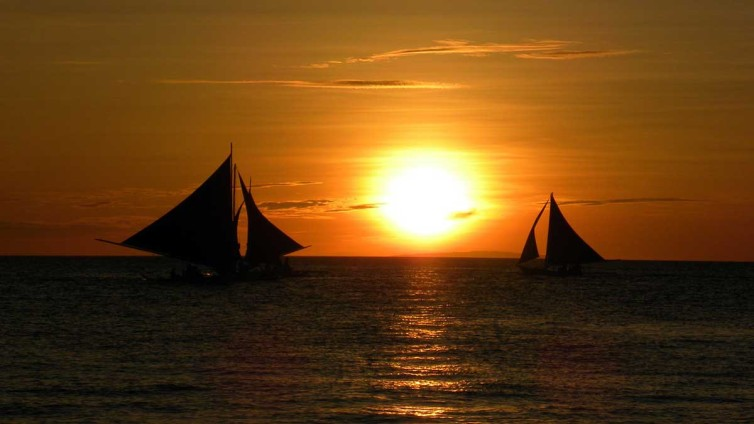 Sailboats at Sunset public domain image from pixabay.com